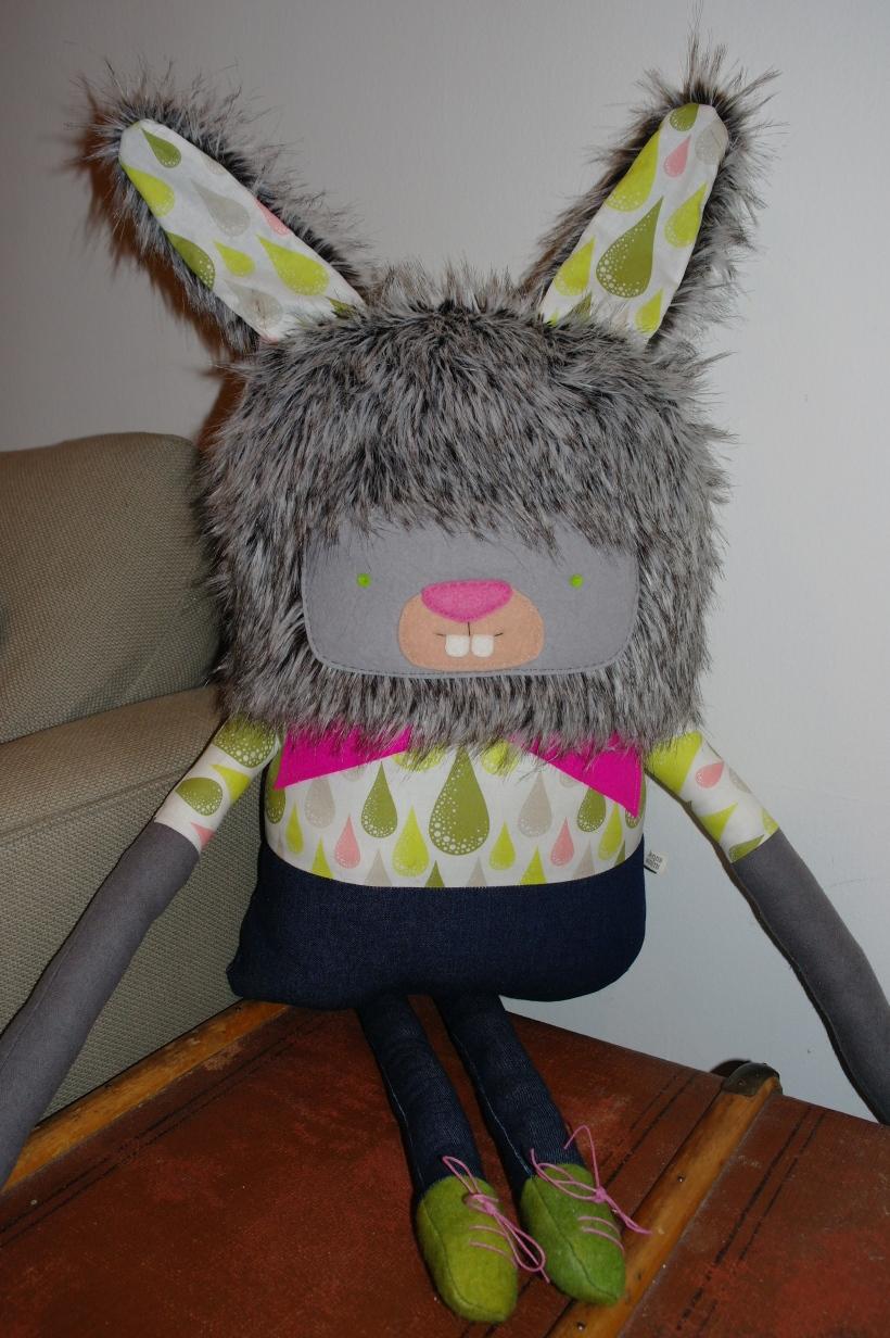 Large bunny 010